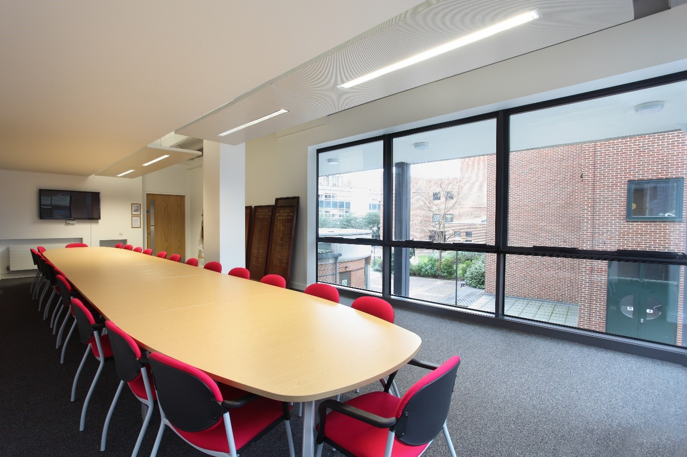 Affordable boardroom hire at Queen Mary University