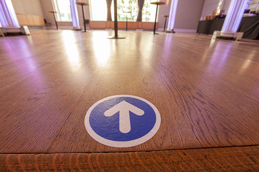 floor marking one way