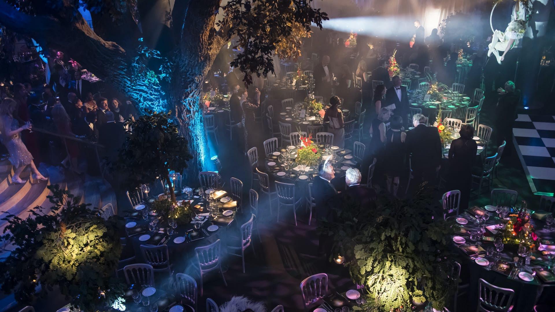 Underglobe dinner set up